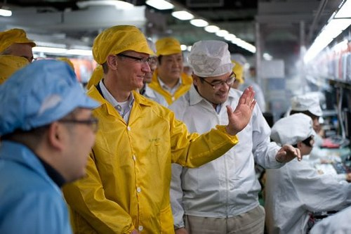 tim-cook-foxconn
