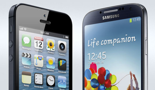 Samsung-Galaxy-S4-vs-iPhone-5