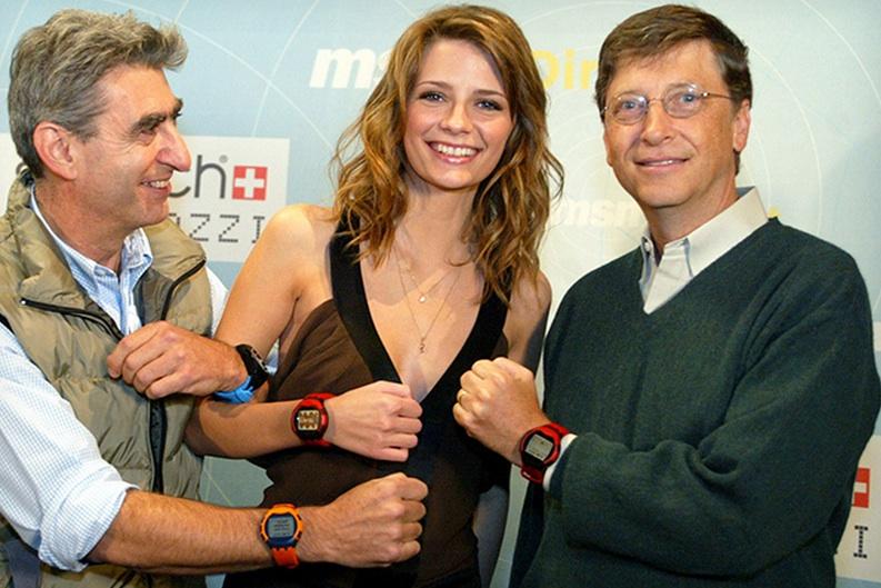 Microsoft sta testando un Surface Watch in alluminio?