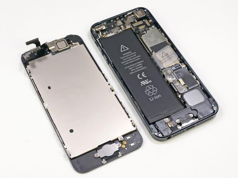 Batteria di iPhone 5 danneggiata? Vi mostriamo come sostituirla in meno di 5 minuti! [Video]