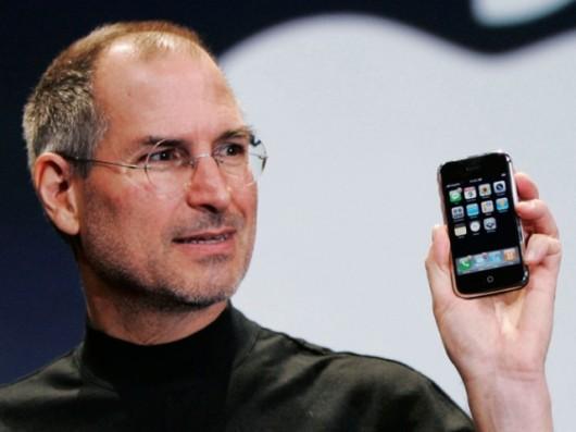 steve-jobs-original-iphone-640x480