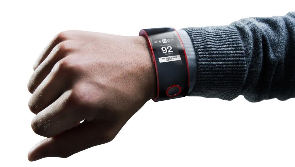 Nismo, lo smartwatch di Nissan che si integra con l'automobile…e con 7 giorni di autonomia!