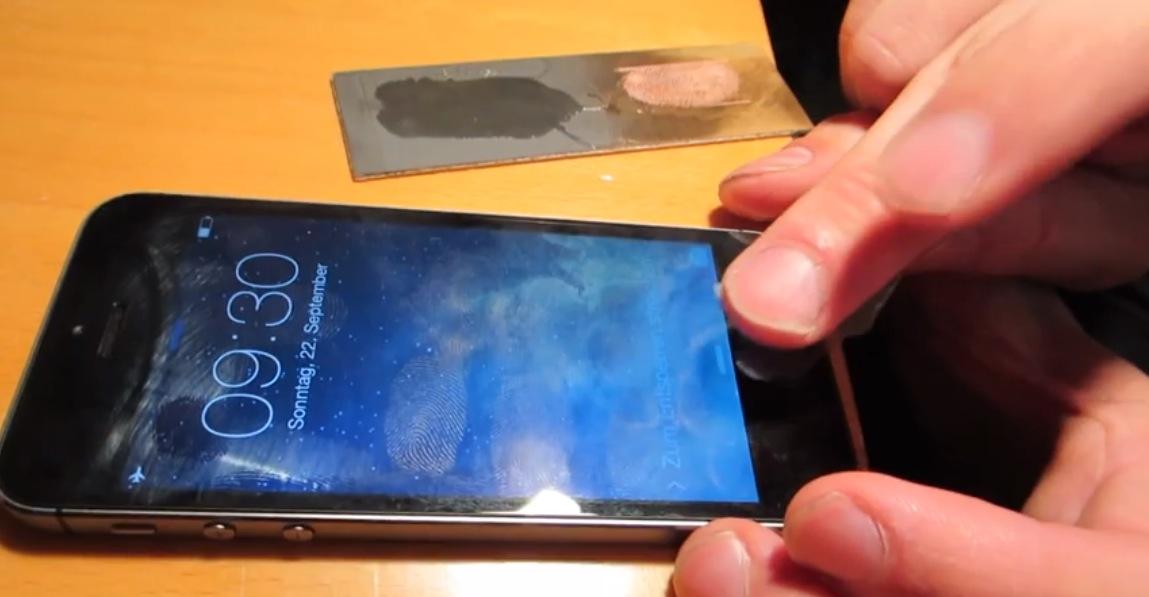 Scoperto il modo per raggirare Touch ID, il sensore di impronte digitali di iPhone 5S