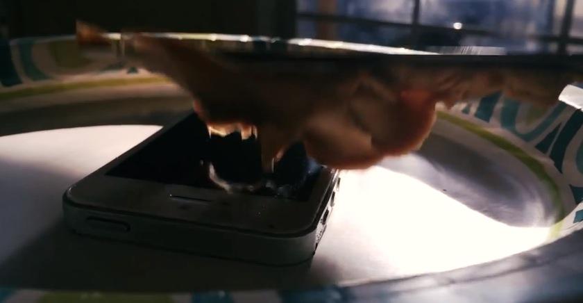 Filmare in slow-motion con iPhone 5S un altro iPhone 5S che viene torturato? Fatto!