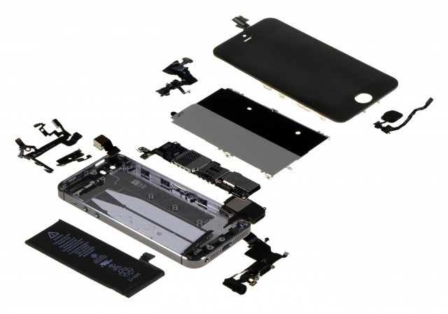 Ad Apple, produrre un iPhone 5S costa massimo 218$