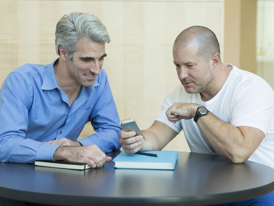 Jony Ive e Craig Federighi: ecco l'intervista ai due dirigenti Apple