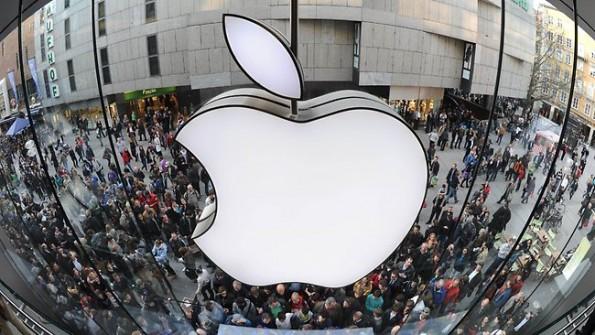 Francia all'attacco: aperta un'inchiesta riguardo i contratti di Apple con gli operatori telefonici