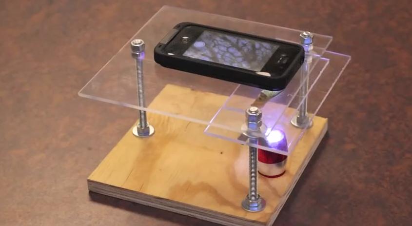 Microscopio Fai-da-te per iPhone: un video ci mostra come costruirne uno con 10€