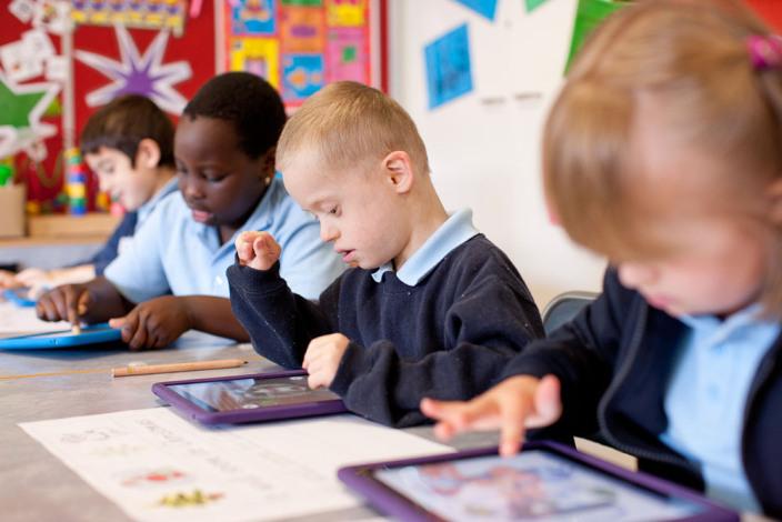 L'aggiornamento ad iOS 7 crea problemi con i filtri protezione degli iPad scolastici