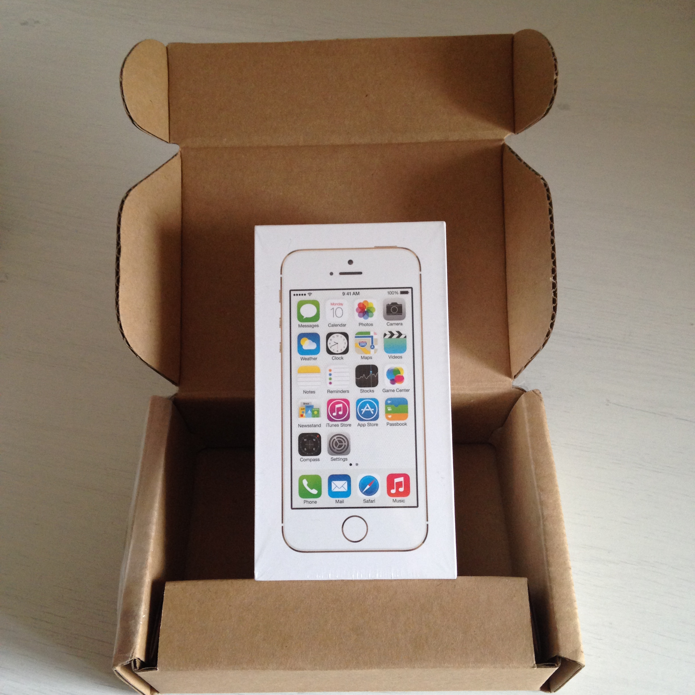 iSpazio-scatola iPhone 5S gold imballato Mario