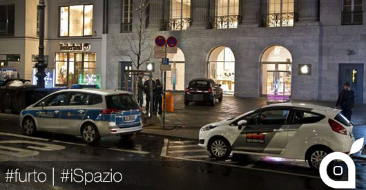 Furto all'Apple Store di Berlino: sfondano il negozio con un auto