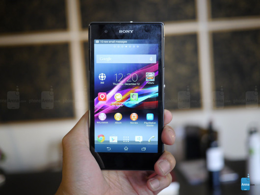 04-Sony-Xperia-Z1S-hands-on-01