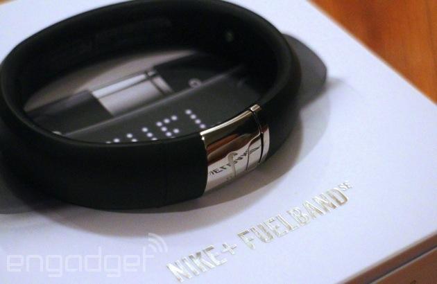 Nike lancia la nuova Silver Edition di FuelBand, disponibile dal 19 gennaio
