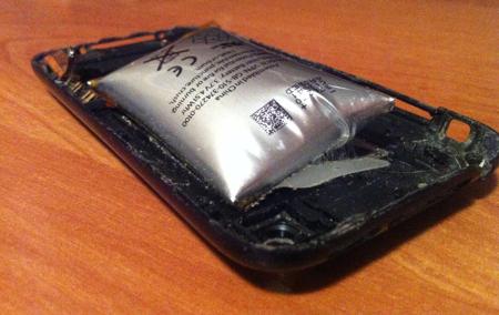iPhone 3GS: la batteria si 'gonfia' in maniera esagerata