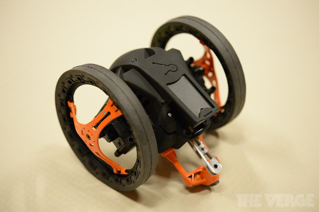 parrot mini drone jumping sumo with Parrot Presenta Due Nuovi Prodotti Robotici Parrot Mini Drone E Parrot Jumping Sumo Ces 2014 Video on Parrot Mambo Herstellervideo moreover Parrot Minidrones moreover Los Drones likewise Watch furthermore Cargador Parrot Disco 3520410039539 236.