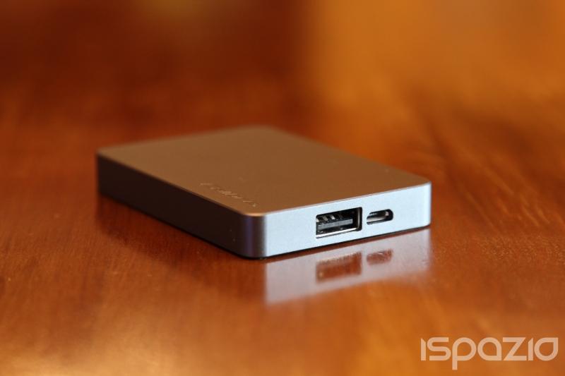 iSpazio prova ULTRA'GO nano Power Station, la batteria portatile da 2500 mAh per ricaricare i nostri iPhone in mobilità