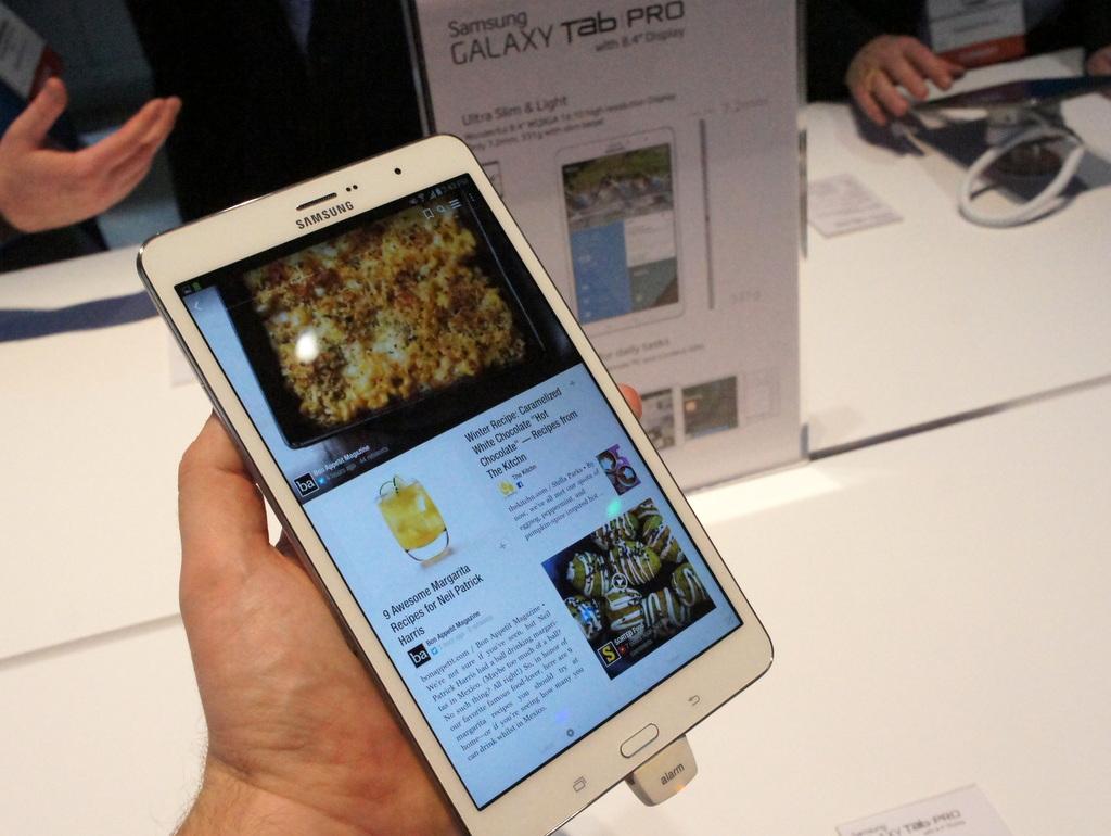 [MWC 2014] Anche il Galaxy Tab Pro 8.4 fa la sua comparsa all'evento