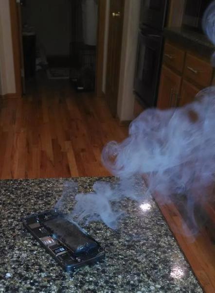 burning-iphone (1)