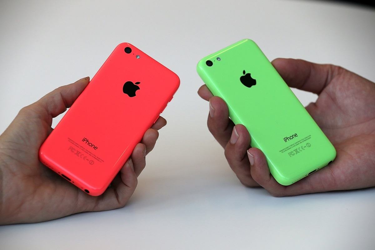 L'iPhone 5C da 8GB ha solo 3,7GB di memoria in meno rispetto al Samsung Galaxy S4 da 16GB