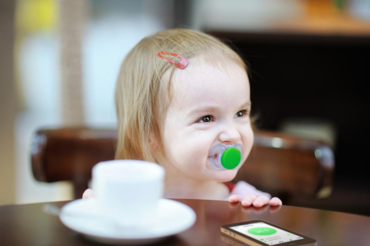 Nell'era dei dispositivi indossabili, anche il ciucciotto per i neonati diventa Smart con Pacifi!