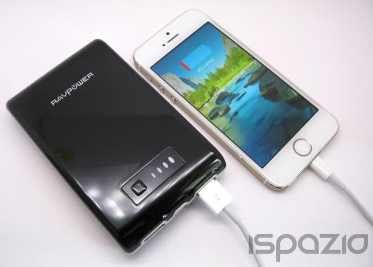 iSpazio sconta del 20% la potente batteria esterna RAVPower 10400 mAh per iPhone, iPad, Android ed accessori