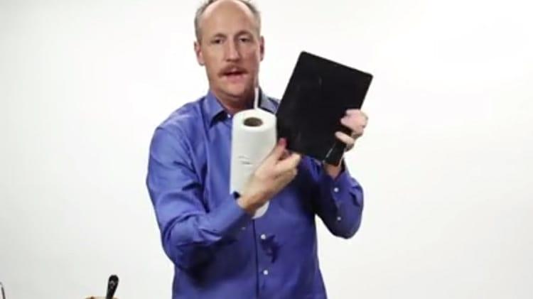 """Ecco il video tutorial per costruire il vostro iPad """"fai da te"""" [Humor]"""