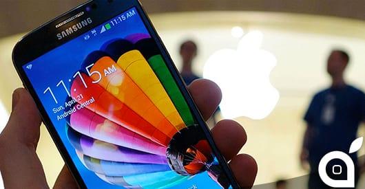 Tim Cook suggerisce alla giornalista Anousha Sakoui di cambiare il suo Samsung