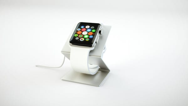 HEDock_Side_Angle_with_Apple_Watch_Profile_1_grande