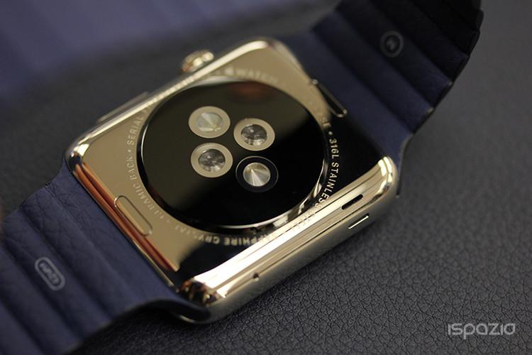 apple-watch-lato-inferiore-ricarica-ispazio