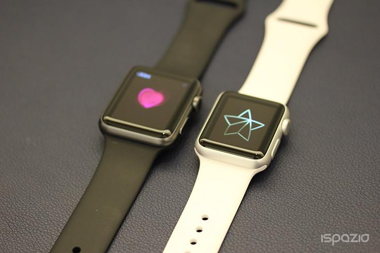 apple-watch-sport-bianco-e-nero-ispazio