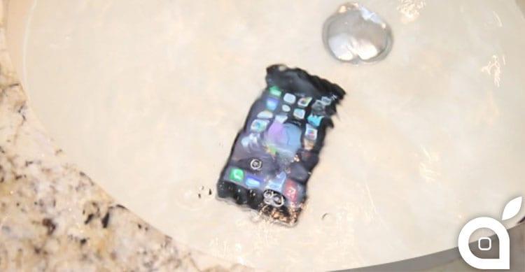 iPhone impermeabile: ecco i prossimi progetti di Apple