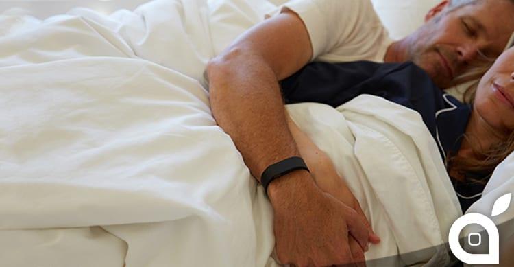 Fitbit citata in giudizio con l'accusa che i braccialetti non misurano il sonno in maniera precisa