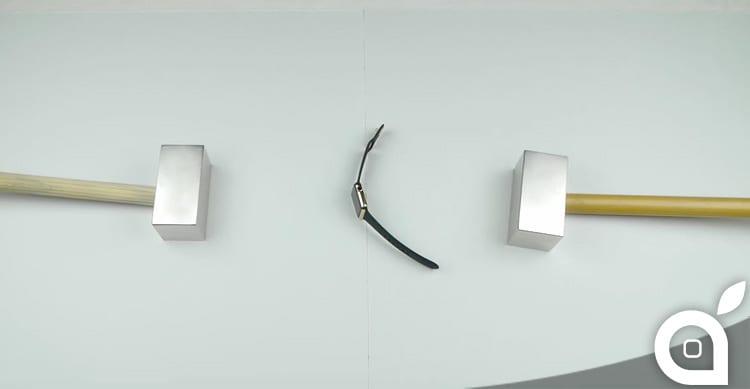 Apple Watch Edition in oro tra due magneti al neodimio: la sfida impossibile [Video]