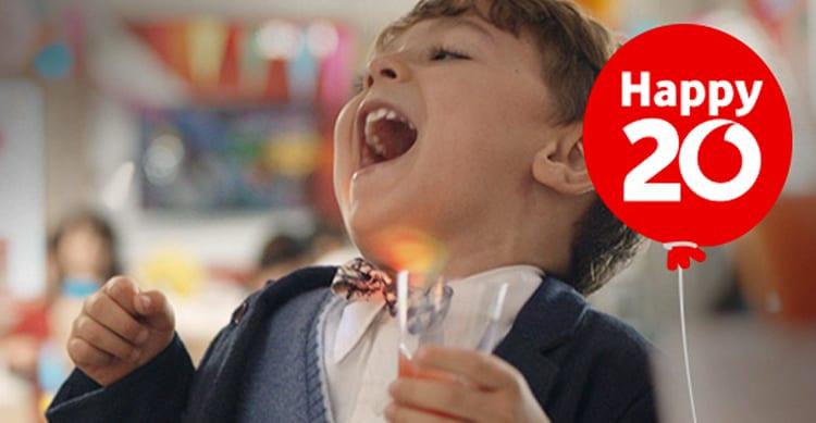 Vodafone compie 20 anni e regala a tutti l'offerta Happy20. Ecco di cosa si tratta e come attivarla