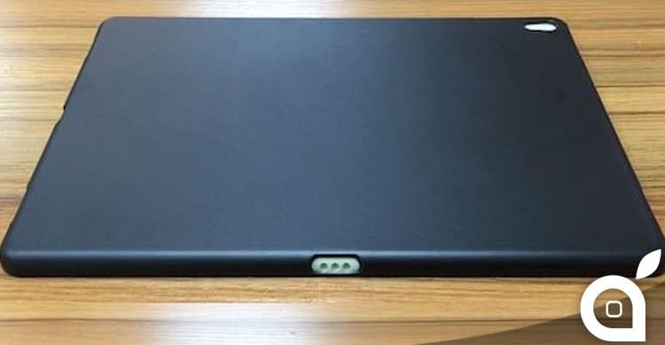 Trapelate le foto di un case per il nuovo iPad da 9,7″: quattro altoparlanti e Smart Connector | Rumor