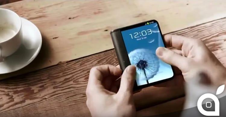 Samsung promette uno smartphone flessibile per il prossimo anno [Video]