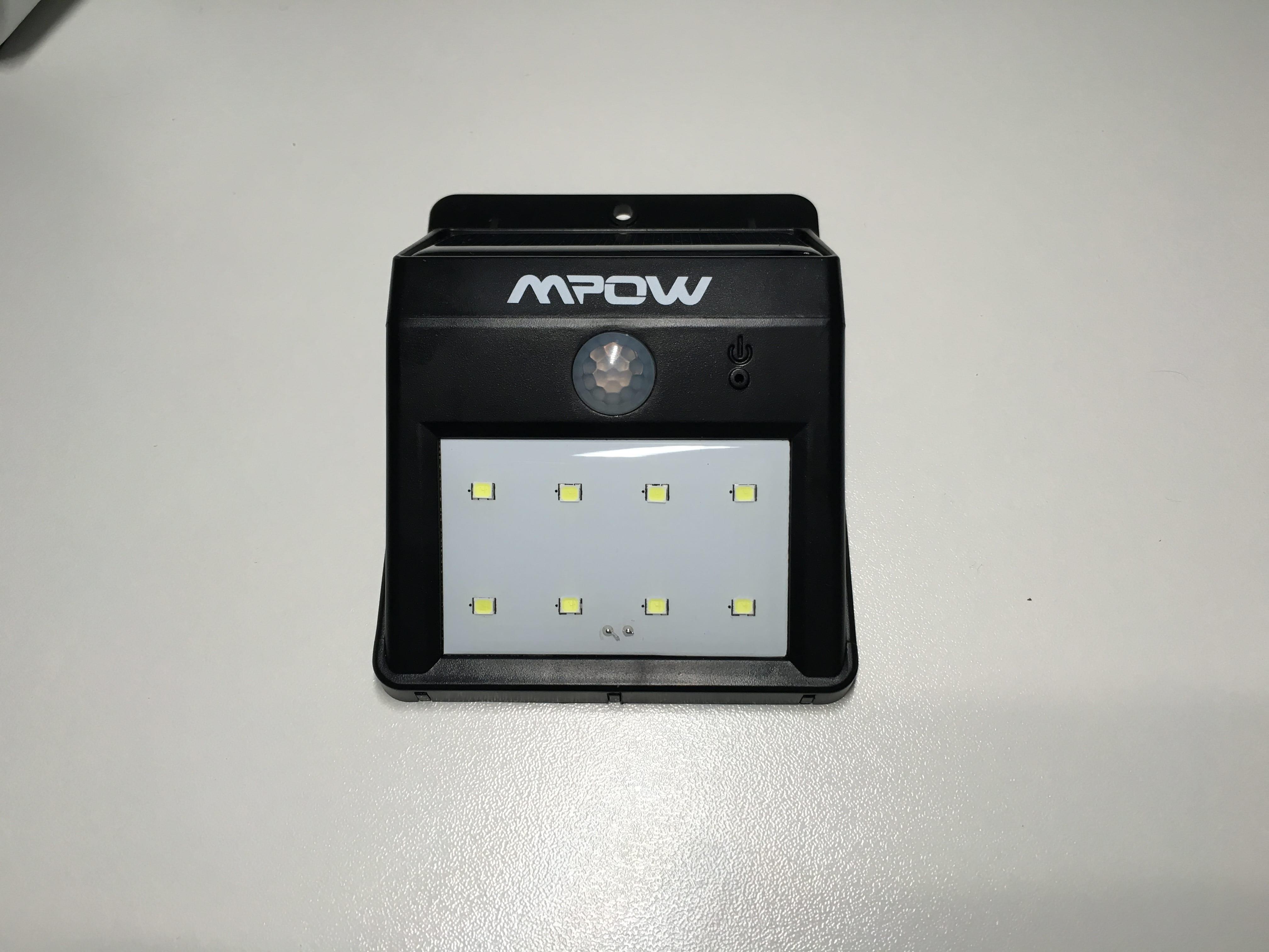 Plafoniere Con Sensore Di Presenza : Lampada led potentissima alimentata da energia solare con sensore