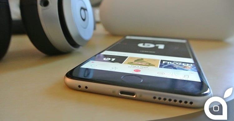 Samsung si prende gioco di Apple per l'assenza del jack audio da 3,5mm