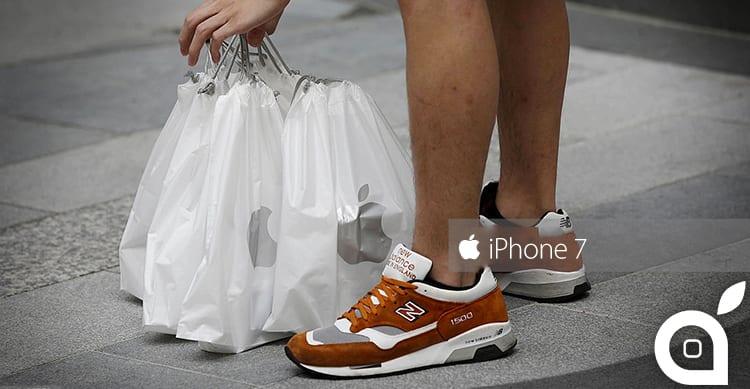 Apple non rilascerà più informazioni sul numero di iPhone venduti nel primo weekend e con i pre-ordini