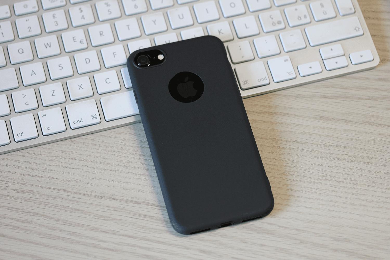 custodia iphone nero opaco