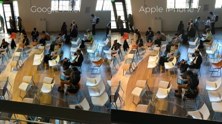 pixel-versus-iphone-7-chairs-800x450