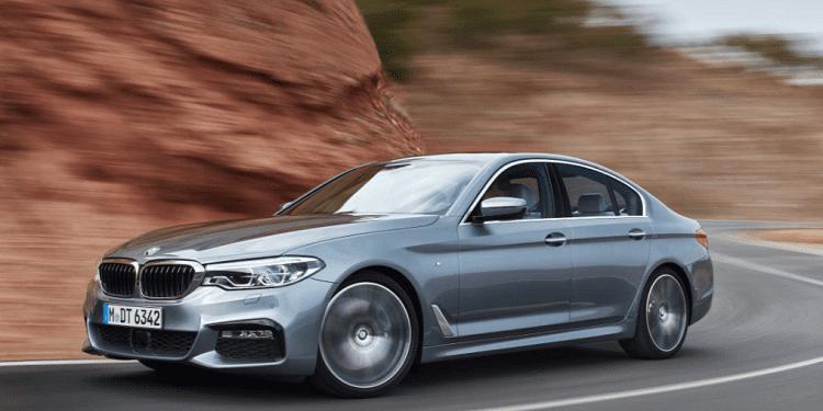 La BMW 5 Series Sedan sarà la prima auto a supportare CarPlay Wireless di Apple