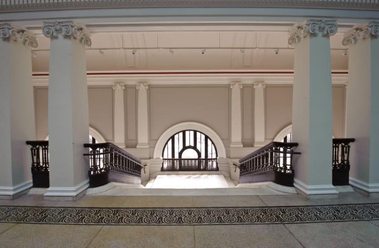 800x800_1379017543855-2nd-floorfoyer-entrance
