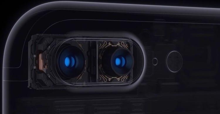 Uno dei tre iPhone 7s avrà una doppia fotocamera verticale