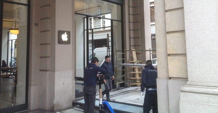 Nuovo furto nell'Apple Store Via Roma di Torino: Le Foto