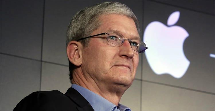 """Per un ex dipendente Apple, Tim Cook ha reso la società più """"noiosa"""""""