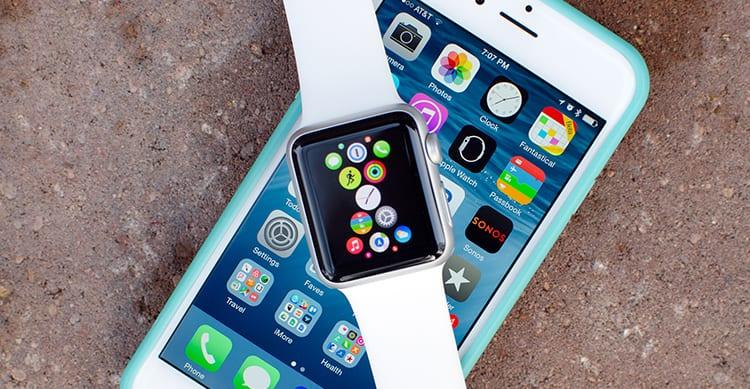 Nuovi brevetti: iPhone con display flessibile e Apple Watch in grado di scambiare dati con una gesture