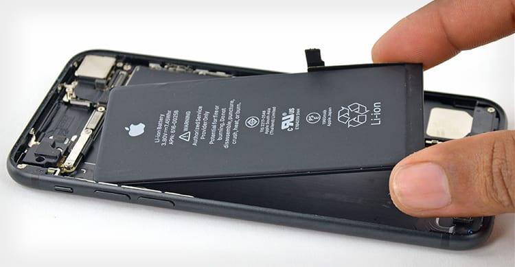 Nuovi iPad, iPhone SE da 128GB e iPhone 7 Rosso a marzo