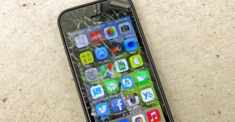 Apple brevetta un sistema in grado di riconoscere eventuali danni al display degli iPhone