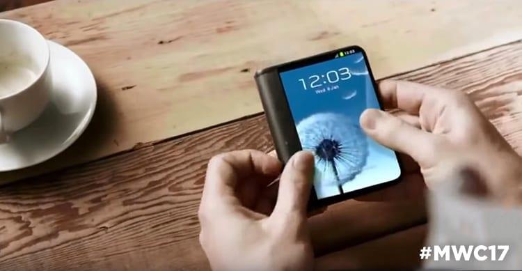 Samsung mostrerà a pochi eletti i primi smartphone pieghevoli al MWC 2017 [Video]